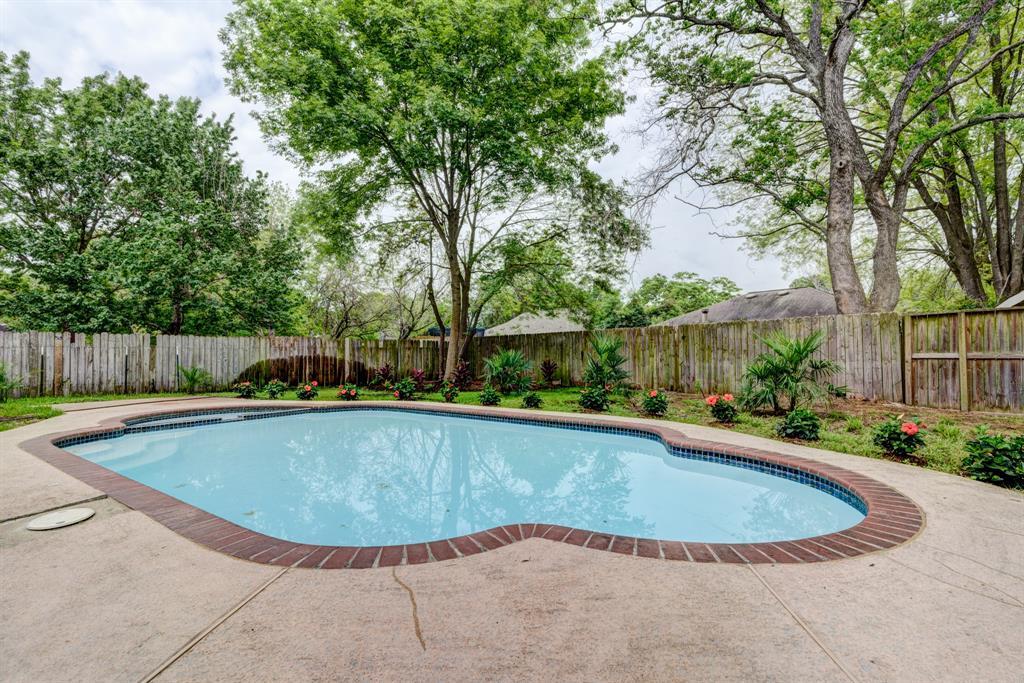 11515 Moltere Drive, Houston, TX 77065