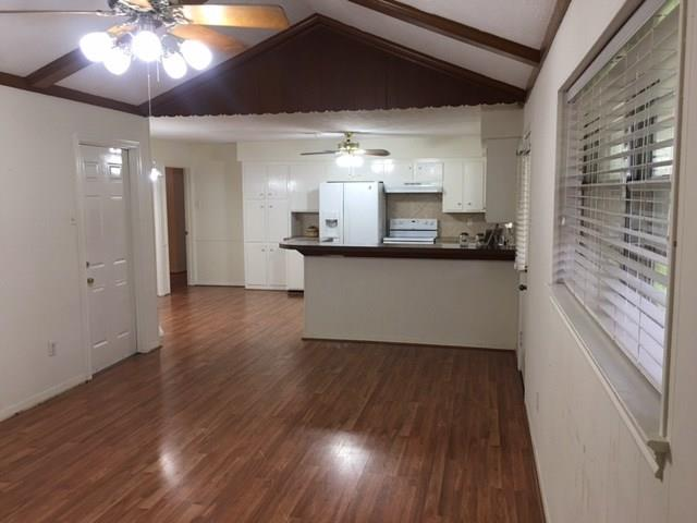 5005 Ash Court Court, Dickinson, Texas 77539, 3 Bedrooms Bedrooms, 8 Rooms Rooms,2 BathroomsBathrooms,Rental,For Rent,Ash Court,54043367
