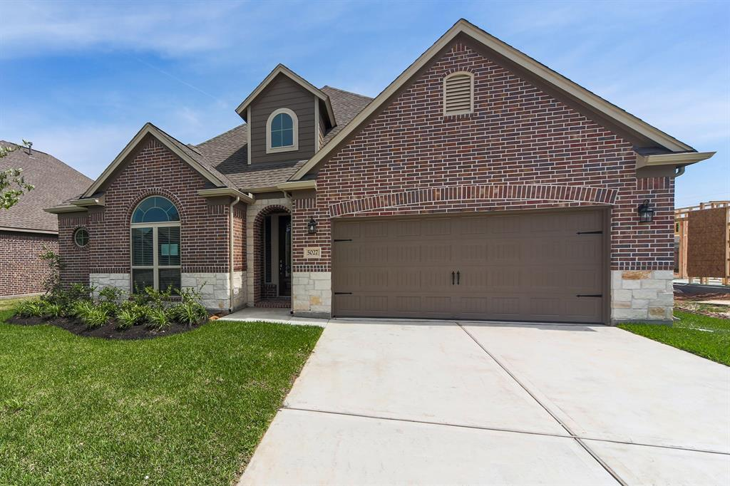 "You don't want to miss this incredible Briarwood Home in the desirable community of Brairwood Crossing. Situated on a premium lot, this 4-sided brick home features a premium elevation, wood flooring, faux wood blinds, and a fireplace with a cast stone surround. Hone your culinary ability in the island kitchen, complete with granite countertops, a tile backsplash, 42"" cabinets, and stainless steel appliances. Unwind in the spa-like master bathroom, equipped with a drop-in tub and separate shower. The covered patio is perfect for outdoor entertaining and leisure. Community comforts include a 5-acre park, recreation area with splash pad, and swimming pool. Ideal for commuters with easy access to U.S. 59 and the Grand Parkway. Schools are zoned to the highly-acclaimed Lamar Consolidated Independent School District. Don't wait – call today!"