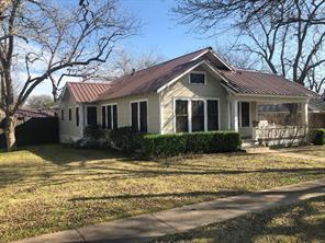 812 West Avenue, Schulenburg, TX 78956