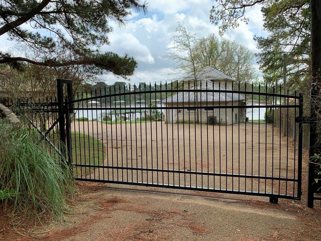 23184 Edgewater Drive, Berryville, TX 75763