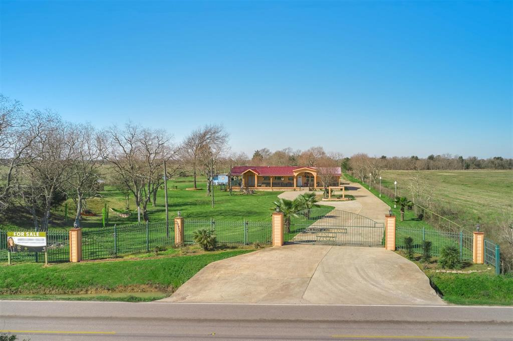 13935 Katy Hockley Road, Hockley, TX 77447