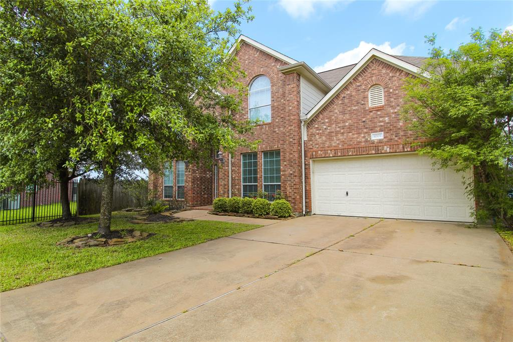 Beautiful 4 Bedroom, 3 and a Half Baths, High Ceilings, Double Master, Swing Set in Back and Includes Refrigerator. Klein School District In quiet Cul-De-Sac Lot.