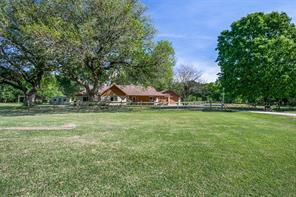 338 McKey, Anahuac, TX 77514