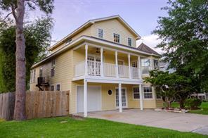 818 Cedar Road, Clear Lake Shores, TX 77565