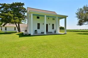 2261 County Road 407, El Campo, TX 77437