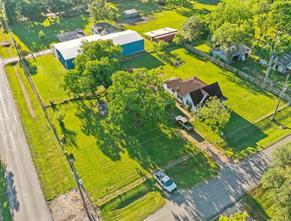 330 Sabine Street, Orchard, TX 77464
