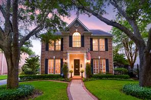 104 Whipple Drive, Bellaire, TX 77401