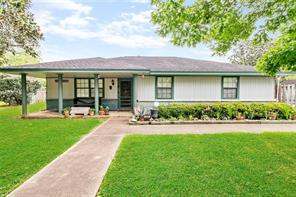 219 Lee, Jones Creek TX 77541