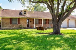 1713 19th Avenue N, Texas City, TX 77590