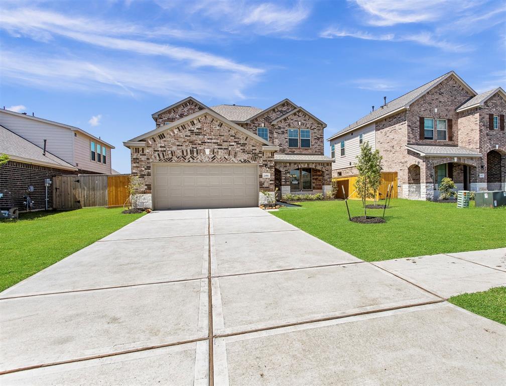 2406 Volterra Lake DR, Missouri City, Texas 77459, 4 Bedrooms Bedrooms, 10 Rooms Rooms,3 BathroomsBathrooms,Single-family,For Sale,Volterra Lake DR,69245101
