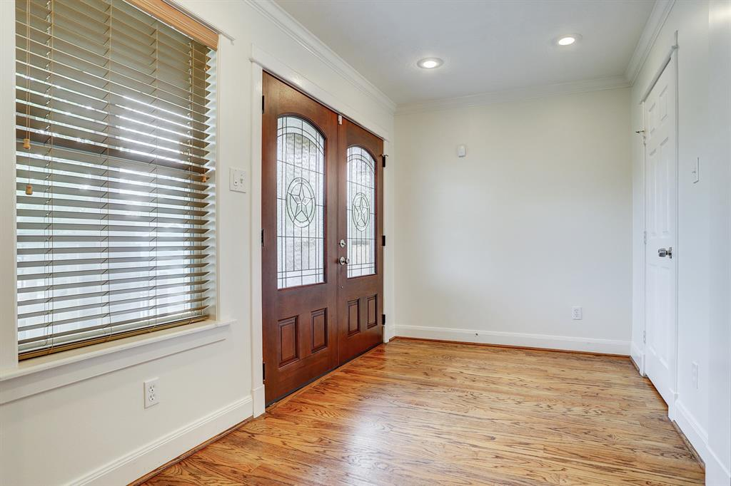 Welcome your guest with this nice size entryway!
