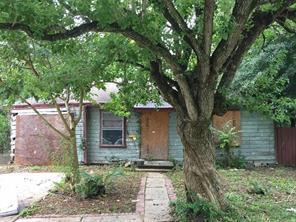 5233 Pederson, Houston TX 77033