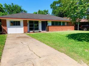 2718 Wuthering Heights, Houston TX 77045