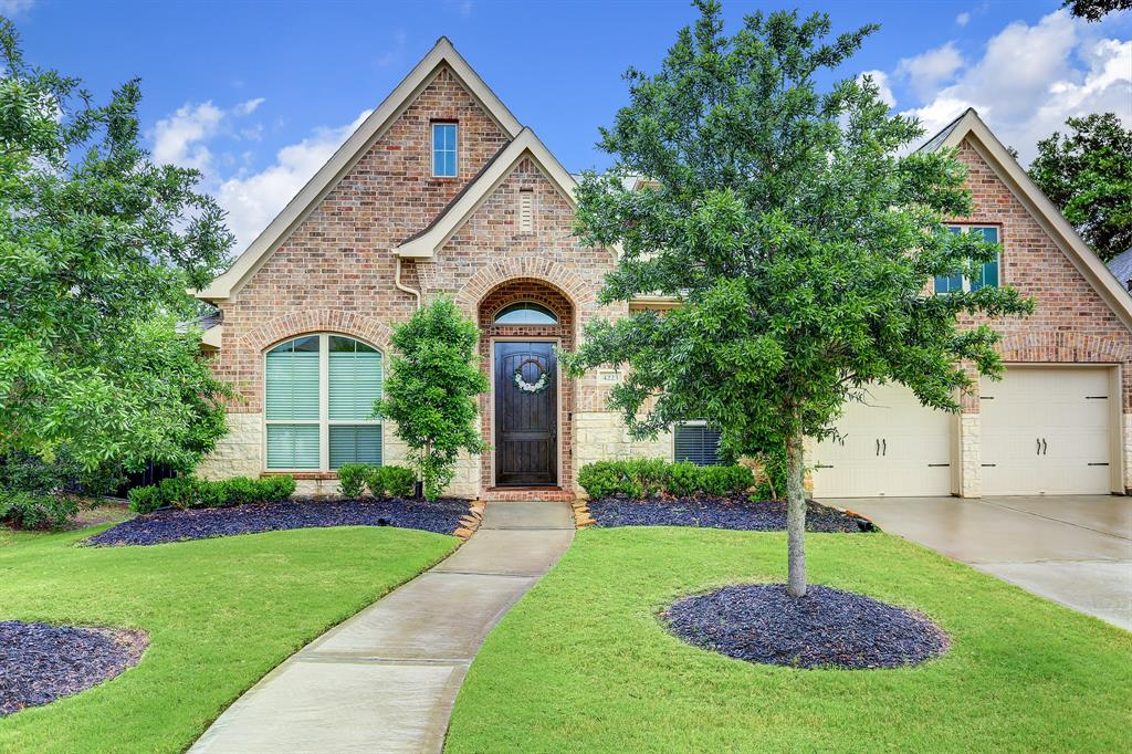 Built in 2017, immaculately maintained one story located in highly desired Harvest Green and zoned to exemplary FBISD schools! This home boasts an open floor plan with a modern and sophisticated gas fireplace which serves as one of the focal points of this home, Floor to ceiling windows, 13 foot ceilings, and tons of upgrades. Entertainers dream kitchen with granite countertops, tons of cabinet space and storage, upgraded stainless steel appliances and Butler's pantry. The fourth spacious en-suite bedroom can be used as a playroom/den or in-law suite. Ideally situated with no back neighbors and a short walk to amenities which Award Winning Harvest Green is known for, such as the  Montessori and daycare located in the neighborhood, swimming pools,fitness center, Farmhouse, Event Hall and so much more! New paint 11/2020, new landscaping 11/2020.