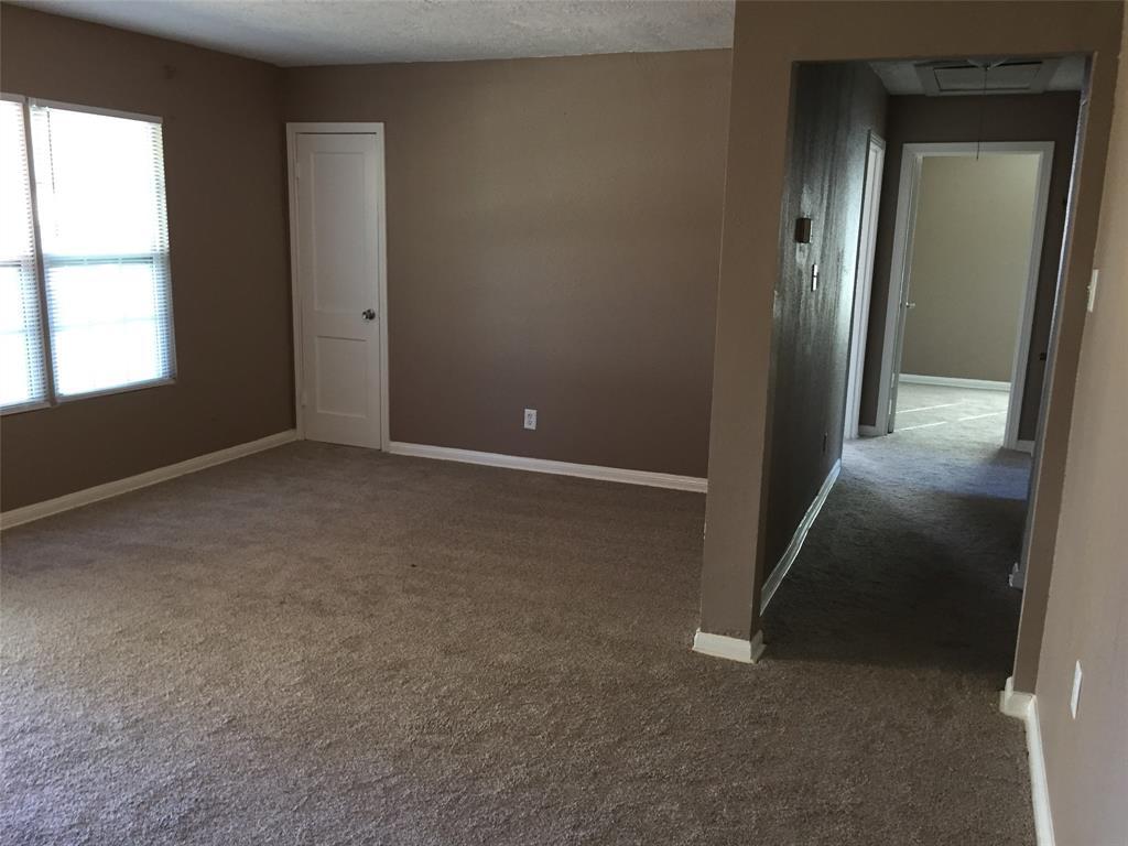 6038 Belmark Street, Houston, Texas 77033, 3 Bedrooms Bedrooms, 7 Rooms Rooms,1 BathroomBathrooms,Single-family,For Sale,Belmark,60660006