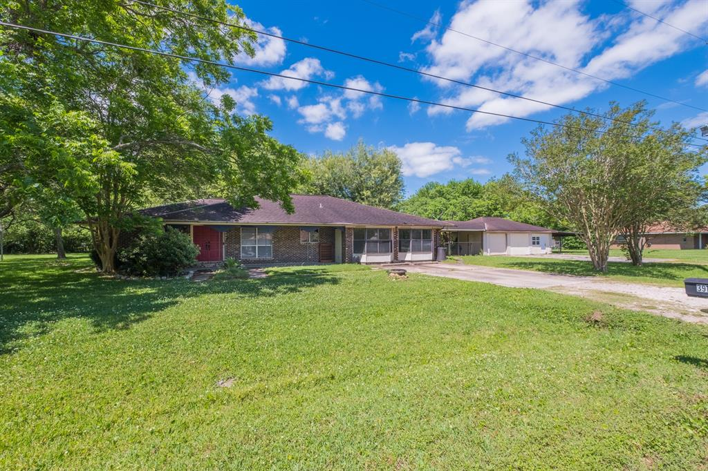 3918 Lance Street, Highlands, TX 77562
