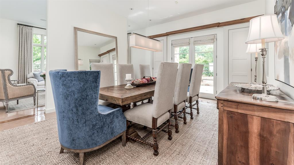 2405 Brentwood Drive, Houston, Texas 77019, 5 Bedrooms Bedrooms, 12 Rooms Rooms,3 BathroomsBathrooms,Single-family,For Sale,Brentwood,76759641