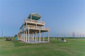 10810 Sweetwater Cove Boulevard, Galveston, TX 77554