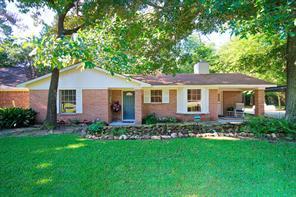 427 Springwood Drive, Conroe, TX 77385