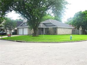 13151 Hollowcreek Park, Houston TX 77082
