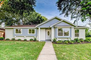 7527 Oak Village, Houston TX 77396