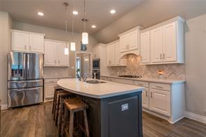 9306 Stablewood Lakes Lane, Tomball, TX 77375