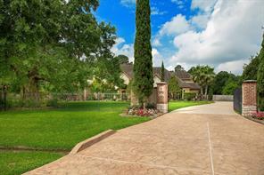 9711 Stonebridge Lake Drive, Tomball, TX 77375
