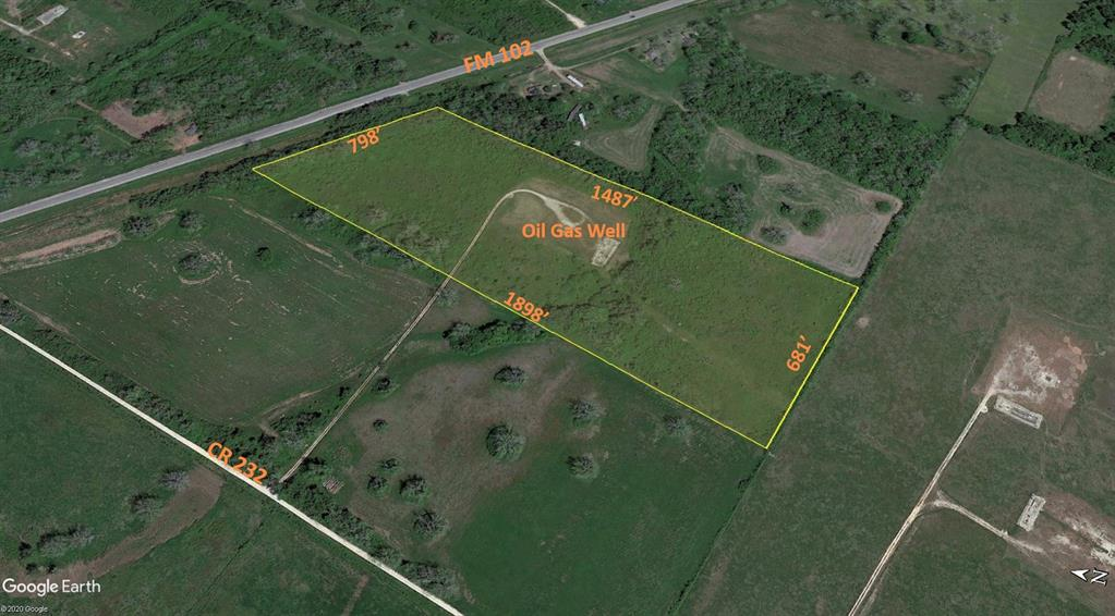 23 Acres, Unrestricted, frontage on FM 102 and road to the middle of the property off of CR 232.  What a beautiful piece of property to hunt on!  100 Year Flood Zone