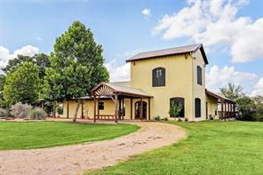 139 Blossom Hill, Round Top TX 78954