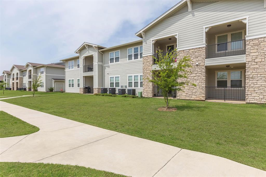 13101 Avondale Farms Road 15, Fort Worth, TX 76052