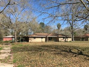 65 White Oak Drive, Woodbranch, TX 77357