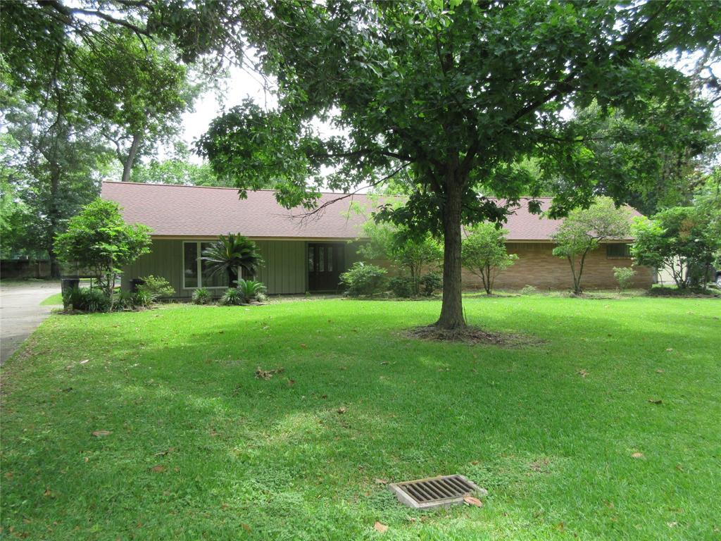 418 Rolling Wood Road, Baytown, TX 77520