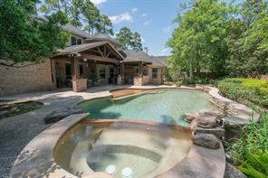 707 Hidden Woods Lane, Friendswood, TX 77546