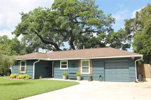 332 Cypress, Lake Jackson TX 77566
