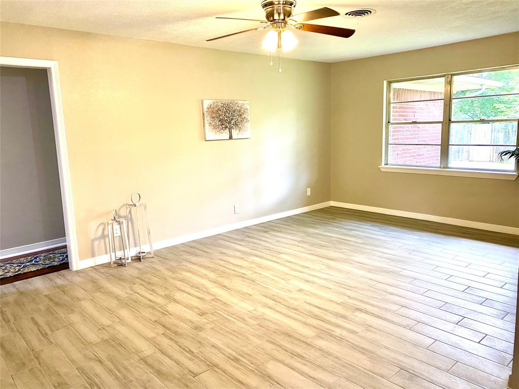 2105 Colby Drive, Baytown, Texas 77520, 3 Bedrooms Bedrooms, 8 Rooms Rooms,2 BathroomsBathrooms,Single-family,For Sale,Colby,4444681