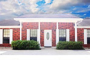 1827 1/2 Isom St, Houston TX 77039