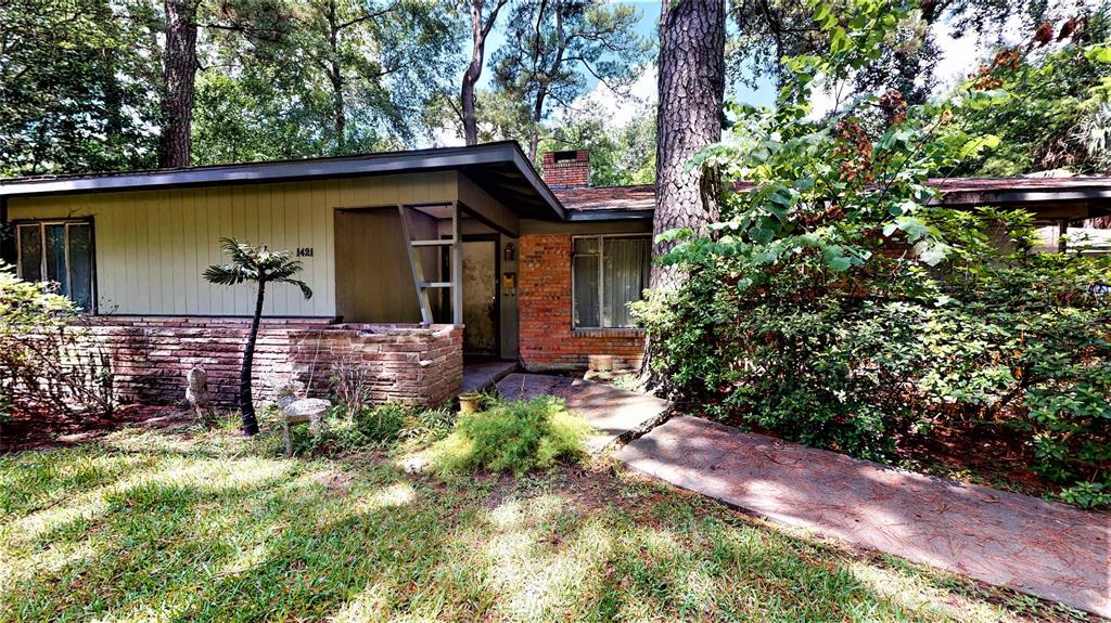 """This property is waiting for you to build your dream home. The property is being sold at lot value. Home is """"As Is' - no repairs to be made. Zoned to Memorial High. Zoned to Valley Oaks, Spring Branch Middle, and Memorial High"""