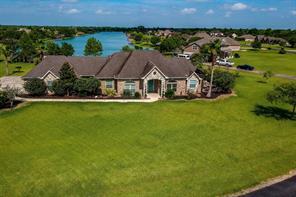 422 N Lago Circle Drive N, Santa Fe, TX 77517