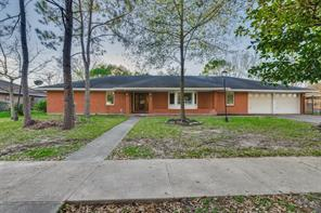 706 Atwell Street, Bellaire, TX 77401