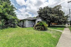 1002 Lawrence Street, Houston, TX 77008