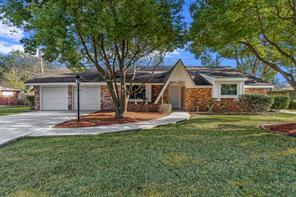 5106 Somerset Drive, Baytown, TX 77521