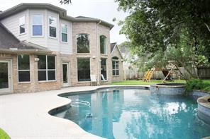 3411 Kingston Drive, Friendswood, TX 77546