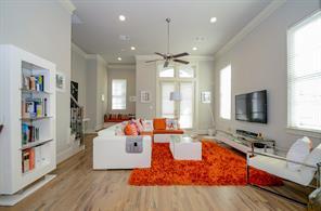 10937 Wrenwood Manor, Houston, TX 77043