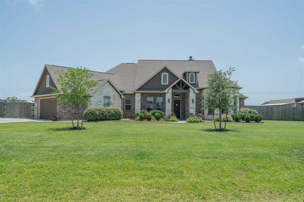 4882 Dutton Lake Drive, Baytown, TX 77523