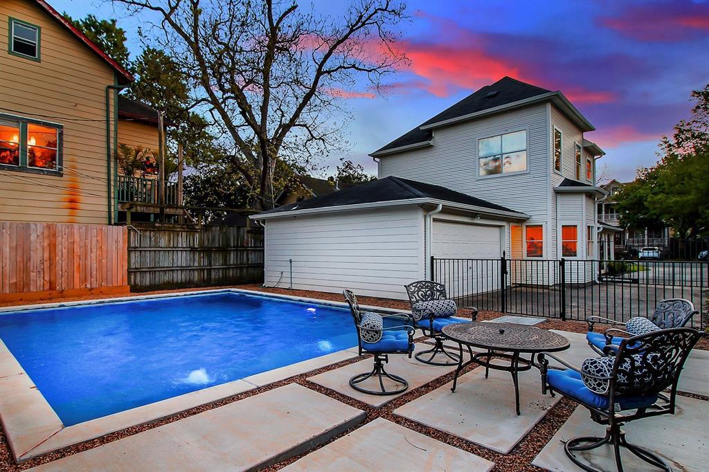 1238 Ashland Street, Houston, Texas 77008, 2 Bedrooms Bedrooms, 4 Rooms Rooms,2 BathroomsBathrooms,Single-family,For Sale,Ashland,60322855