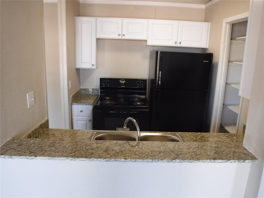 205 N Columbia, West Columbia, Texas 77486, 1 Bedroom Bedrooms, 4 Rooms Rooms,1 BathroomBathrooms,Rental,For Rent,N Columbia,32060315