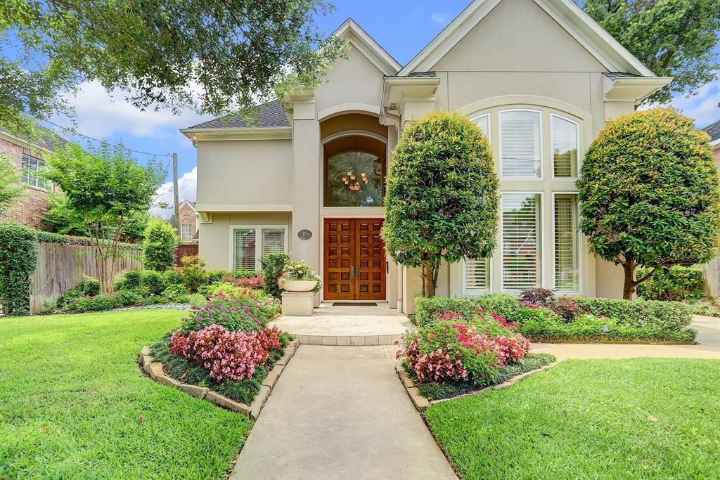 Beautiful five bedroom house with resort style pool in heart of Bellaire. Recently updated kitchen with SS appliances and panoramic views onto the pool and backyard. Updated master bath with a stand alone tub and double sinks. This spacious home has high ceilings and many windows filling the home with natural light. Located walking distance to Nature Discovery Center, Evelyn's Park and only minutes to the Medical Center. Easy access to 610, 59 and the Beltway.