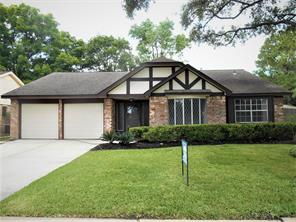 12242 MEADOWHOLLOW Drive, Meadows Place, TX 77477
