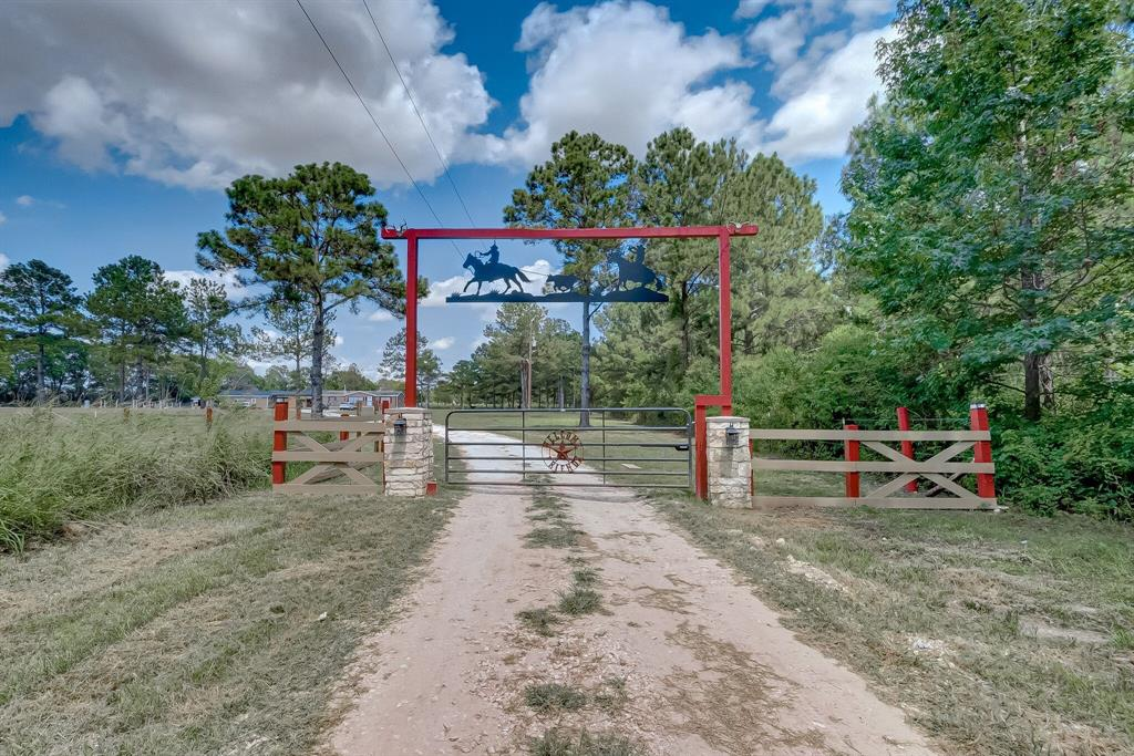 635 County Road 601, Dayton, Texas 77535, 3 Bedrooms Bedrooms, 5 Rooms Rooms,2 BathroomsBathrooms,Single-family,For Sale,County Road 601,98748493
